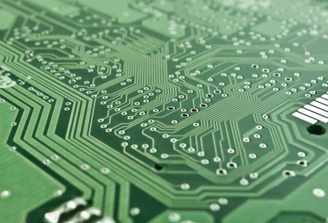Elektronika w kieszeni, czyli zagrożenia wirtualnego świata